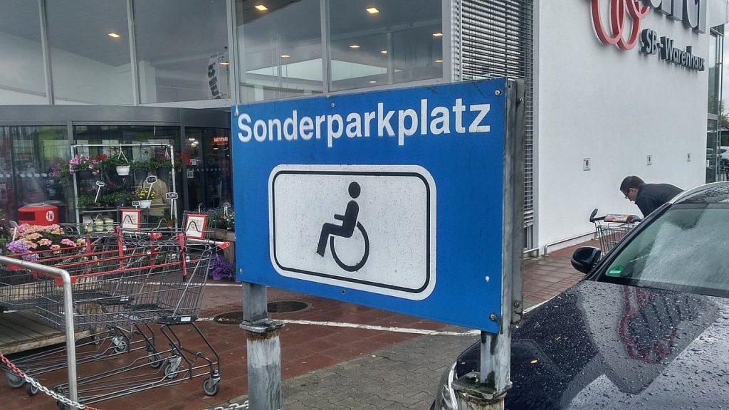 Leinenweber_Rechtsanwaelte_Strafrecht_Rechtsgebiet_Pirmasens_Kaiserslautern_Landau_Unberechtigtes Parken_Sonderparkplatz